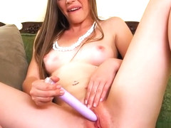 Aurielee Summers Toys Her Horny Cunt