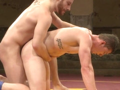 NakedKombat Will The Punisher Parks vs Sebastian The Tiger Keys