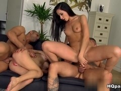 Tony, Sabby, Sandra Luberc, Aruna Aghora in Wet and tight Scene