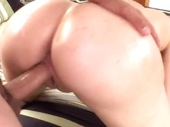 MILF slut Heidi Mayne fucks with a younger dude