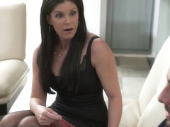 India Summer Shows Her Son's Friend How To Fuck A Milf - MyFriend'sHotMom