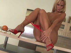 Hot young amateur Raylene teases - CzechSuperStars