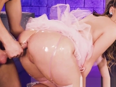 Princess peach Harley Jade bangs with horny plumber guy