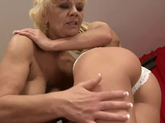 Mature lady Orhidea is having an awesome sex