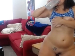 Big tit MILF pornstar Shyla does anal gaping for viewers