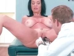 Cute Patient (Veronica Avluv) Seduced By Doctor Get Sex Treat vid-29