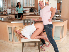 Janna Hicks & Sean Lawless in Affordable Housing - MilfHunter