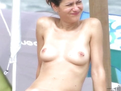 Topless Amateur MILFs - Voyeur Beach Close-Up