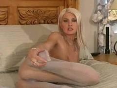 Kelly Marie Hose Seduction
