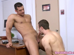 Muscular stud sucking his room mate