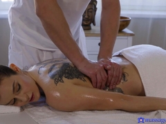 Erotic Massage For Italian Brunette - MassageRooms