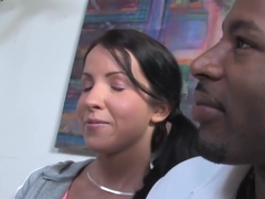 Mom Jordan Kingsley Tries Tina Dove's Black Boyfriend