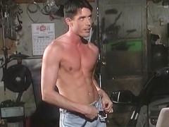Johnny Brosnan & Richie Fine in Pistons Scene 1 - Bromo