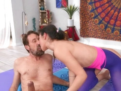 The Guru Of Gape Free Video With Brooklyn Gray - BRAZZERS