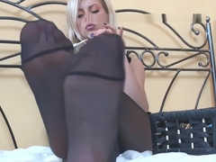 Sexy Teen in Pantyhose Feet Tease