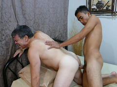 Daddy Bareback Fucks Str8 Asian Boy JR - DaddysAsians