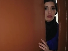 Muslim mom fucks crony's daughters girlassociate cumshot 2