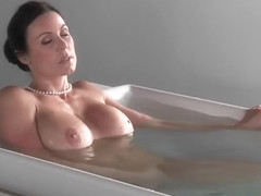 Italian porn video featuring Giselle Mari and Kendra Lust