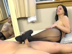 Sensual Pantyhose Footjob From Cassie Clarke