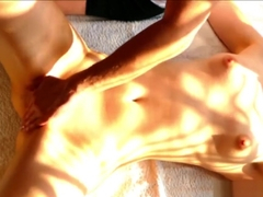 Naughty hottie gets satisfied by a masseur [Happy ending] - Amateur Couple