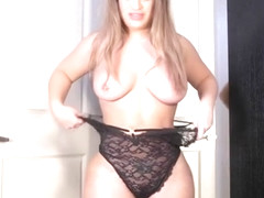 Seducing breasty latino mature woman like to have a fetish fun