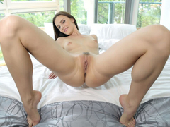 Virtual Girl Fucked - Kira Zen