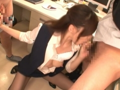 Hot Ameri Ichinose performs extreme double blowjob