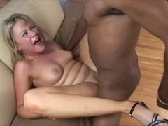 Hung darksome fella receives his lengthy thick knob sucked by SinDee Jennings